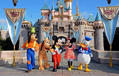 Tokyo-Disneyland-&-Tokyo-DisneySEA-2