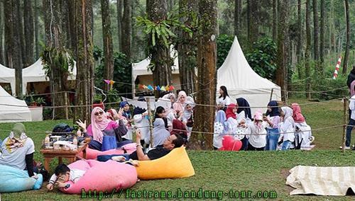 bean-bag-warna-warni-di-Orchid-Forest-Bandung