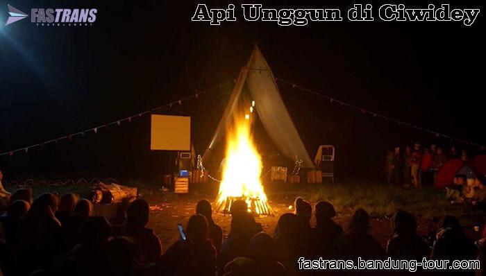 Acara Api Unggun di Ciwidey