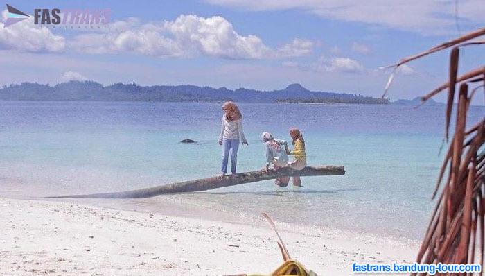 25 Turis Asing di Aceh Dikumpulkan di Satu Pulau